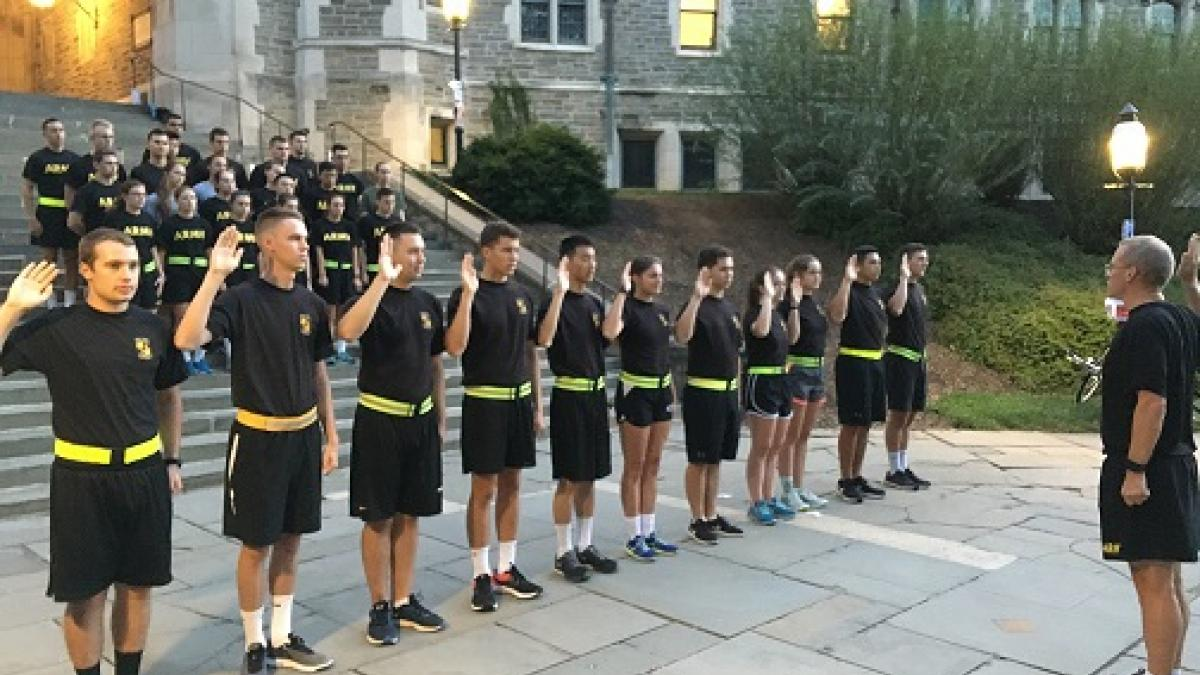 LTC Kevin McKiernan administers the oath to Class of 2021 cadets who have contracted